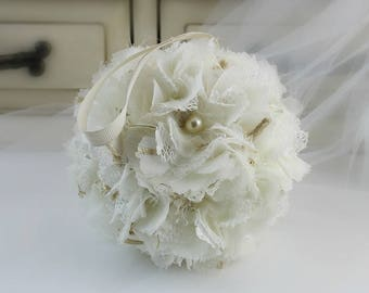 Wedding Centerpiece , Kissing Ball Centerpieces , Wedding Ceremony Decorations , Flower Girl Flower Ball , Shabby Chic , Wedding Centrepiece