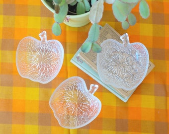 Apple Shape Glass Dishes / Vintage Dessert Dishes / Set of 3 Glass Bowls / Kitsch Fruit Glassware / 1970s Glass Dishes