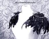 Epauletten, Schulterstück, Schulterschmuck mit Federn und Perlenborte, Gothic, Vampir, Steampunk
