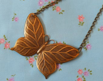 Flutterby Butterfly Flying Away Pendant Necklace