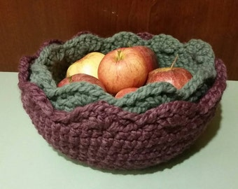 Crocheted nested pair scalloped bowls