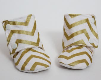 Baby slippers, Stay-on booties, Gold Chevron, Metallic, White, Minky, Cotton, Toddler boots, Warm and Cozy, Shower gift, Newborn, Kid shoes
