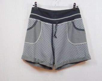shorts in Sweatshirt light taupe polka dot