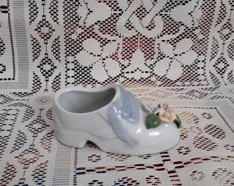 Ashtray. Ceramics. Shoe shape. Vintage. Production - China.