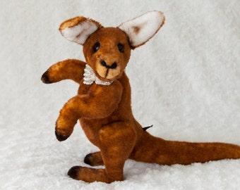 Bekkiebears OOAK artist kangaroo Tod