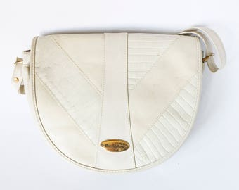 Vintage white leather handbag Cose Italiane - 80s 90s half-round Italian snakeskin patterns -  Spacious semicircular hand bag compartments