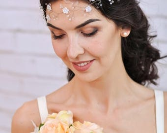 Wedding flower crown Wedding flower headpiece Bridal flower crown headband Wedding flower tiara White flower crown Bridal floral tiara
