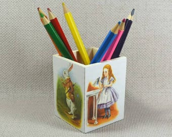 Alice in Wonderland Pencil Pot, Stocking fillers, Christmas gift ideas, Pencil Pot, Nursery decor, Make Up Pot, Free Gift Wrapping!