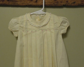 Vintage Yellow Baby Dress / Yellow Pleated Baby Dress / Yellow Lace Collar Dress / Nannelle Baby Dress