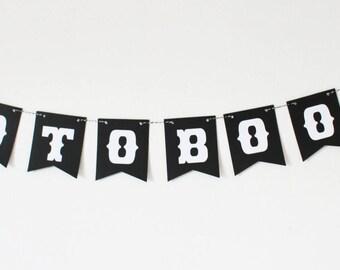 Large Garland-10 black flags in V-decoration wedding photobooth - vintage