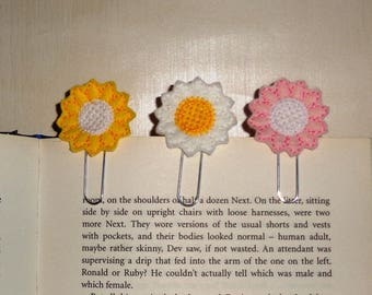 Yellow Daisy -  Book - Paper Clip  Felt Planner Clip - Planner Accessory - Stationery - Cute Paper Clip - Bookmark - Planner Clip