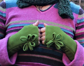 loop flower wrist warmers, fleece