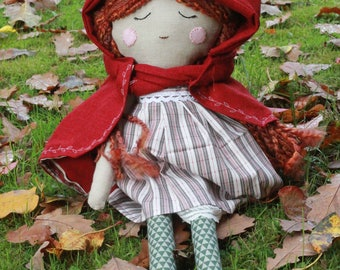 Forest gal, 19'', hooded cape