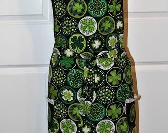 Womens Ladies Retro St. Patrick's Day apron.  Good Luck Shamrocks