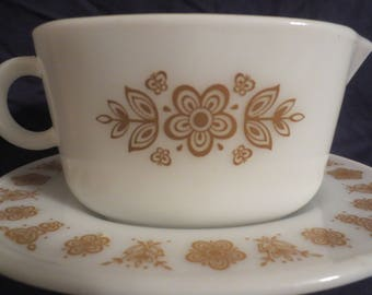 Pyrex Butterfly Gold Gravy Boat 77-B with Underplate 77-U