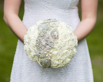 Brooch bouquet, bling bouquet, silver brooch bouquet, bling wedding bouquets, ivory artificial crystal bouquet, white broach wedding bouquet