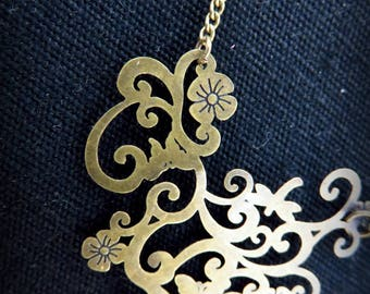Necklace art nouveau brass flower print