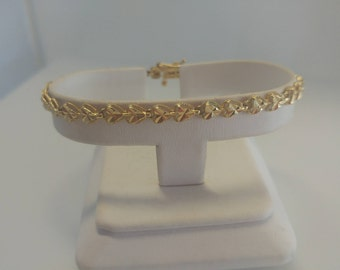 14k Gold Diamond Cut Heart Bracelet