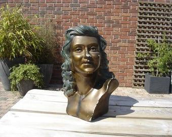 Buste. Moulage plâtre femme. Art Deco period. Vintage statue woman girl bust