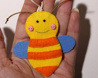 Bee Felt ornament/magnet