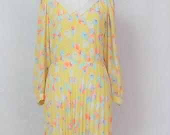 Bib Dress//Yellow dress//Floral dress//Romatic dress//Girly dress//Summer dress//Vestido//Kleid//Klänning//Medium size dress// L ドレス