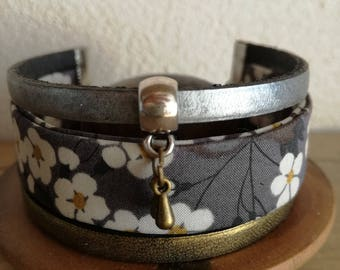 Bracelet 3 rows of leather and fabric