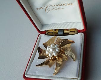 The Starlight Collection Elegant Brooch