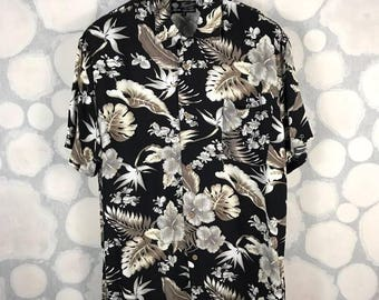 Vintage Thruxton Hawaiian Shirt Short Sleeve Black Hibiscus Floral Fauna Rayon