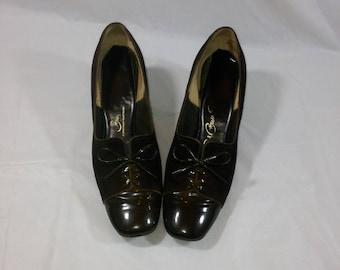 Ladies Vintage Brown Suede Shoes
