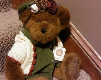 Boyd's Bear Olive Leafowitz, from TJ's Best Dressed Collection, Boyd's Bears and Friends, Collectible bear