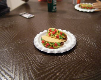 1:6 Scale Food - 4 Tacos & 2 Plates - Barbie Momoko, Blythe, Pullip, Fashion Royalty and other dolls - Beef, Cheese, Lettuce, Tomato OOAK