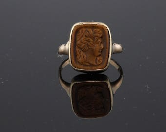 Antique 10K Yellow Gold & Carved Tiger Eye Cameo Ring