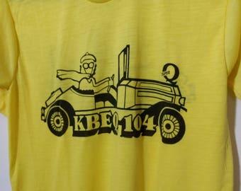 Vintage T-Shirt KBEQ 104 Kansas City's Favorite Radio Station The Super Q M 38-40 Yellow