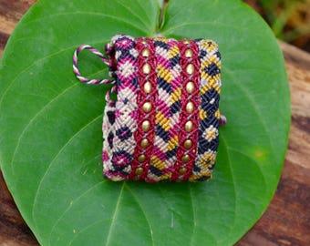 Bracelet - Macramé - Sparrows with brass beads