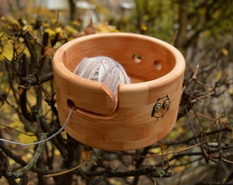 Cute Owl Yarn Bowl with Magnets, Circle Alder Wood Crochet Bowl, OOAK Large Yarn Holder, 2 Owls Design Knitting Organizer, Gift for Knitter