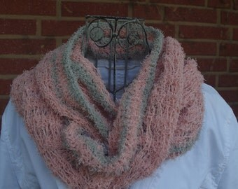 Fluffy soft cotton-loop in rose-grey