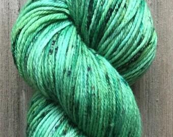 Hand Dyed Yarn, DK Weight 4ply, 100% Superwash Merino Yarn, Green Speckle on Stout DK Handdyed Yarn