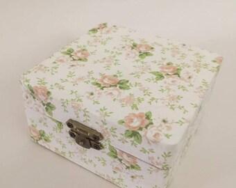 Decoupage trinkets box