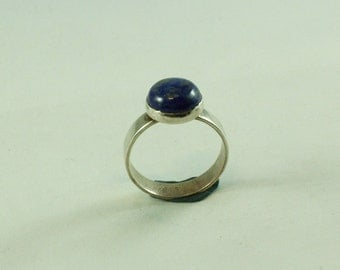 Sterling Silver ring with Lapis Lazuli gemstone 10 mm size 17
