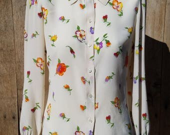 Vintage Designer Gucci 1970s Iconic Floral Print Silk Shirt, G. Gucci Made in Italy Buttondown Shirt, White Silk Blouse with Flower Pattern