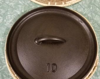 Lodge #10  modern day cast iron dutch oven lid