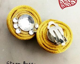 Gift, elegant round earrings with rhinestones