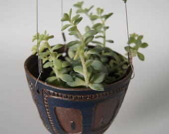 Hanging stoneware pottery/ceramic/plant/decoration