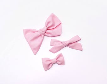 Peony Pink Bow | Baby headband set, Baby bow Headbands, Small Bows, Baby Bows, Newborn headbands, Nylon Headbands, Baby hair bows,