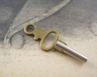 Vintage french pocket watch key