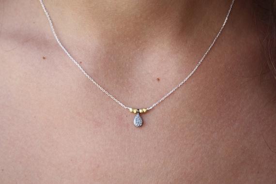 collier avec des diamants collier ras de cou en. Black Bedroom Furniture Sets. Home Design Ideas