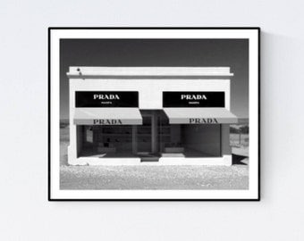 prada schild mit marmor prada marfa marmor prada marfa. Black Bedroom Furniture Sets. Home Design Ideas
