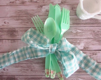 Jadeite Plastic Silverware / Spring Time Jade Colored Utensils /Vintage Inspired Floral and Jadeite Utensils / Retro Wedding Utensils