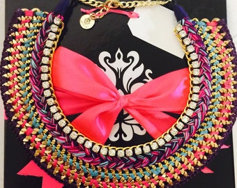 Jecatherina Threaded Necklace