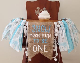 Snow much fun to be one high chair banner / Winter ONEderland first birthday party decor / cake smash photo shoot prop / Snowflakes / Custom